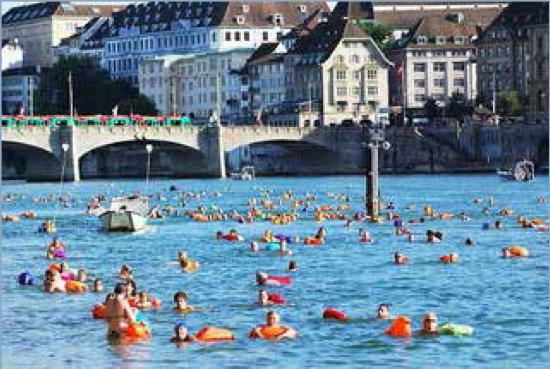 Neel Korteweg Rijn bij Basel